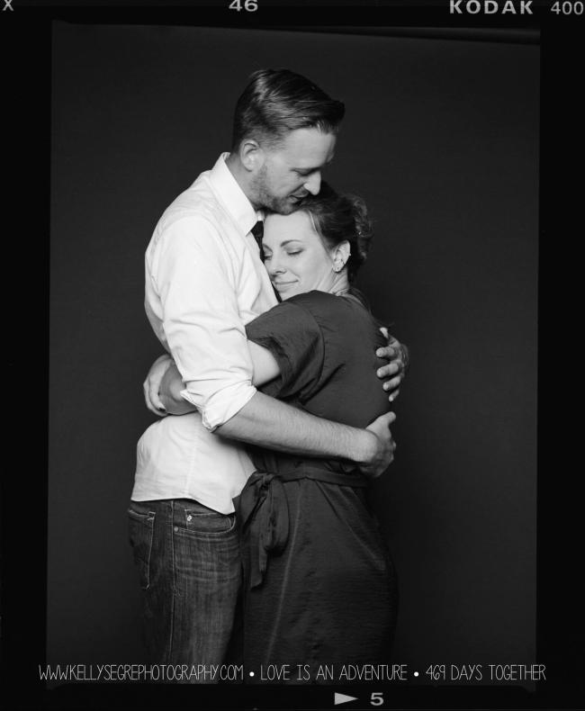 intimate-portrait-film-tri-x-kodak-couple